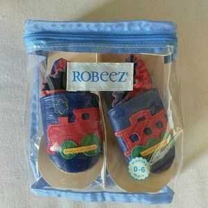 Robeez leather baby shoes slippers 0-6 mos